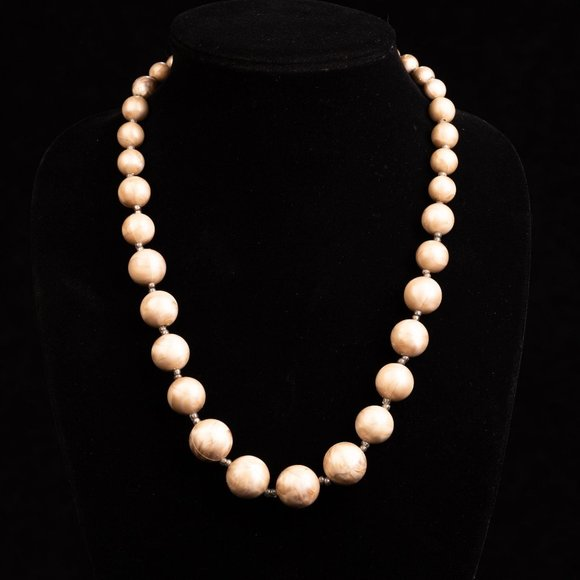 Vintage Marble Lucite Graduated Bead Necklace